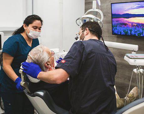Dentist in Simi Valley